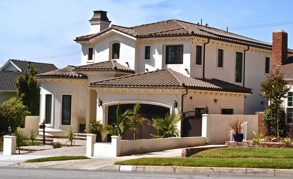 Classic S mission clay roof tile with Turret roof in 2F19 Ironwood on home in Burbank, California