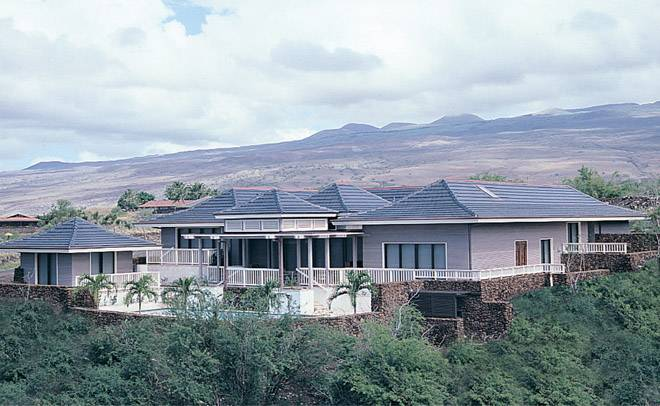 MF108 Flat clay roof tile in C23 Metallic Silver on home in Manua Kea Fairways, Hawaii