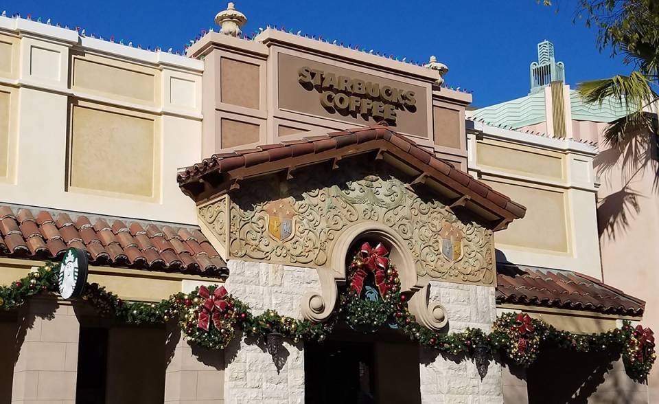 classic tapered mission clay roof tile in B332-R Houstonian blend on Starbucks in universal studios Hollywood, california